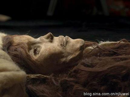 埋地下3000多年的女尸仍有呼吸 - 超人 - xji630203525700水上人