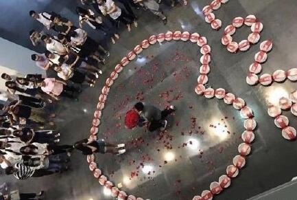 斗鱼打造直播界的红色娘子军图片